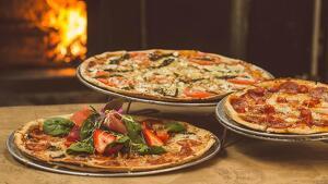Los 15 tipos de pizza más populares (y sus ingredientes)