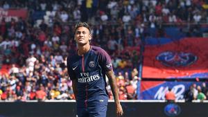 Neymar, durant la seva presentació amb la samarreta del Barça