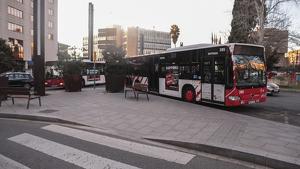 Un home de 82 anys va ser denunciat divendres passat per realitzar tocaments a una menor dins d'un bus de l'EMT a Tarragona.