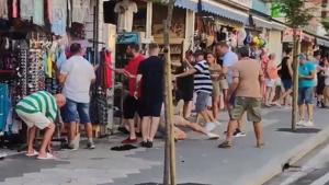 Un joven británico es apaleado por alertar a otros turistas que estaban siendo estafados por un trilero