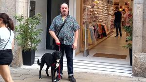 Un veí de Figueres denuncia maltractament animal en un establiment