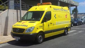 Una ambulancia de los servicios sanitarios de Canarias