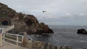 Una mujer ha desaparecido tras caer al mar en Arnao, Castrillón