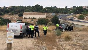 Una víctima mortal y una herida de gravedad en un accidente entre un turismo y un camión en la N-322