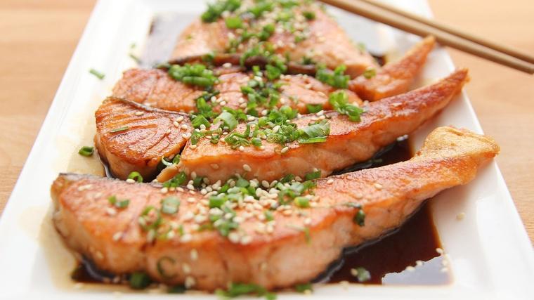 El peix cru o semicru pot contenir anisakis