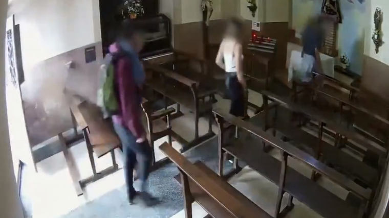 Quatre joves roben un Crist de valor històric a Berga