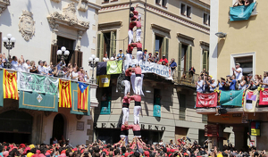 2de8 net descarregat de la Colla Vella dels Xiquets de Valls a la diada de Sant Fèlix