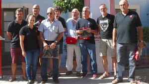 Alguns dels Teclers d'Honor dels Xiquets de Tarragona, que han rebut un obsequi durant la presentació dels actes commemoratius del 50è aniversari de la colla.