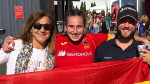 Blanca Fernandez junto a sus hijos David y Olivia