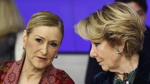 Cristina Cifuentes y Esperanza Aguirre en una junta directiva del PP de Madrid