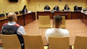 El condemnat dins l'Audiència durant el judici