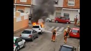 El vídeo de com va cremar eixe matí el cotxe a l'exnóvia