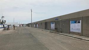 Els plafons informatius, instal·lats a la dàrsena pesquera de Torredembarra.