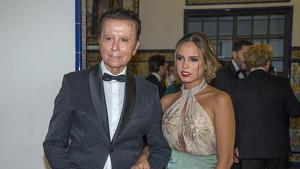 Gloria Camila junto a su padre