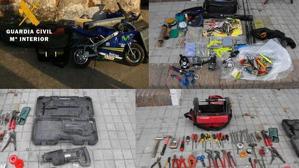 Imagen de los objetos requisados en las detenciones