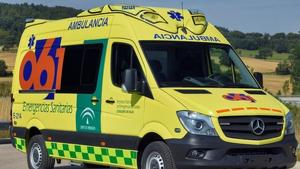 Imagen de una ambulancia de la Empresa Pública de Emergencias Sanitarias (EPES) de Andalucía