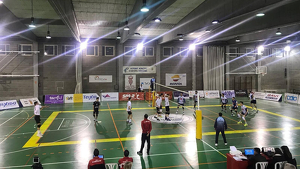 Imatge d'arxiu d'un partit de voleibol al pavelló de Sant Pere i Sant Pau de Tarragona.