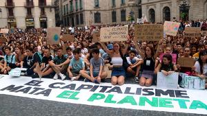 Imatge de les protestes contra el canvi climàtic aquest divendres a Barcelona