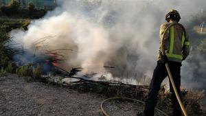 Imatge de l'incendi forestal a l'Albiol