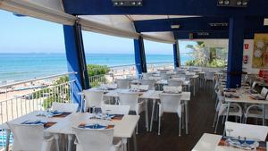 Imatge de l'interior del restaurant Tòful de Mar de Tarragona.