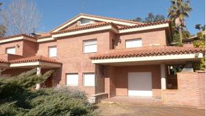 Imatge del xalet que ofereix l'immobiliària Haya Real Estate rebaixat a Almoster