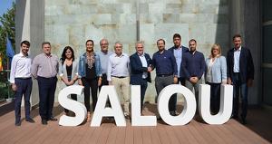 Imatge dels dotze regidors que configuren el govern municipal de Salou després del pacte signat aquest divendres, 20 de setembre.