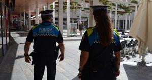 La Guàrdia Urbana de Reus recorda de consumir o miccionar a la via pública és un incivisme que comporta multes