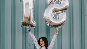 La llegada a los 18 años se merecen la mejor felicitación: atento a estos mensajes