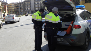 La Policia Local de Canet de Mar circula amb vehicles que tenen la ITV caducada