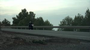 La via per la qual circulava estava limitada a 90 km/h