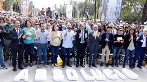 Òmnium uneix el sobiranisme per reclamar l'absolució dels presos
