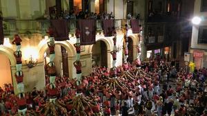Pilars simultanis de les dues colles vallenques a la vigília de la Diada Nacional