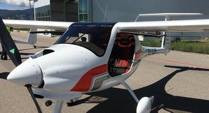 Pla general d'un dels aparells que ven l'empresa andorrana Rapid Solutions a l'Aeroport d'Andorra - La Seu d'Urgell