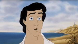 Príncipe Eric sorprendido al contemplar a Ariel en 'La Sirenita' (1989)