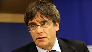 Puigdemont durant la roda de premsa al Parlament Europeu on ha anunciat que portarà el seu cas al TJUE