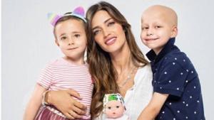Sara Carbonero llança un ninot per lluitar contra el càncer infantil