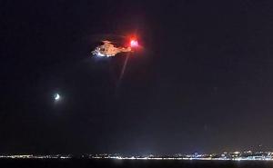 Un helicòpter ha sobrevolat la platja de Salou buscan una persona a l'aigua