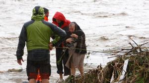 Una persona rescatada en el riu Canyoles