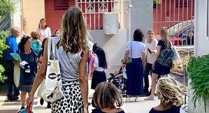 Vanesa Lorenzo va acompanyar les seves dues filles a l'escola
