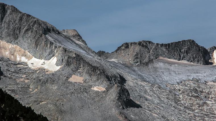 Aquest és l'aspecte actual del que queda de la glacera de l'Aneto