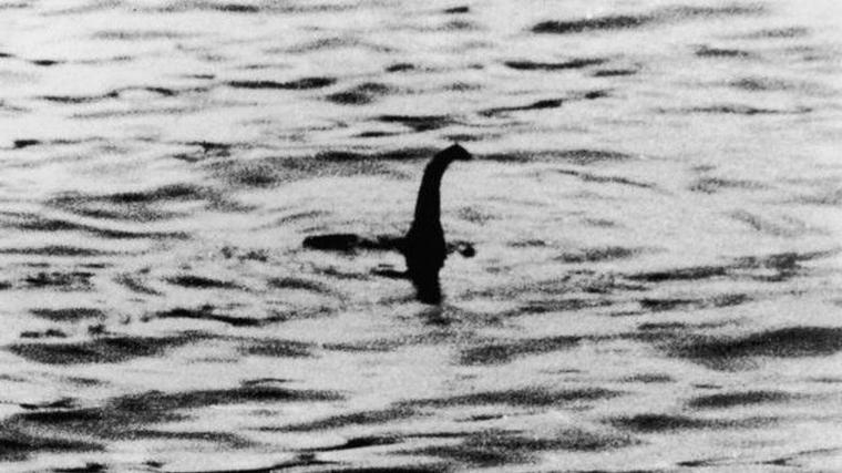 Imatge del possible albirament del monstre 'Nessie' l'any 1934