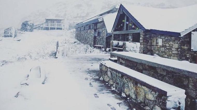 La nevada está cubriendo de forma abundante las montañas andorranas y francesas