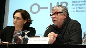 Ada Colau i Antonio Balmón, els alcaldes amb major retribució econòmica a Catalunya