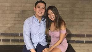 Alexander Urtula y su novia, Inyoung You.