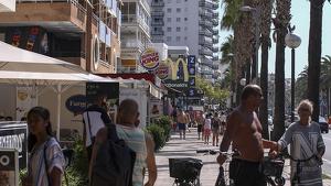 Apartaments a primera línia de mar, al passeig Jaume I de Salou.