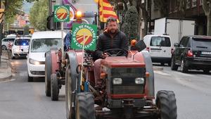 Des de Reus han sortit al voltant d'uns 20 tractors i d'altres s'hi aniran afegint durant el recorregut