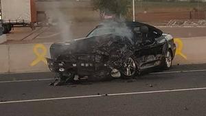 El causant de l'accident circularia en aquest Mercedes d'alta gamma