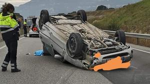 El conductor del vehicle ha resultat ferit lleu i ha sigut traslladat a l'Hospital de Vic
