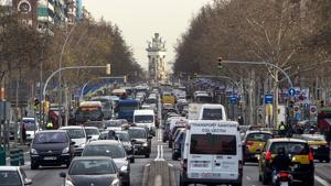 El consistori barceloní pretén rebaixar la contaminació de la ciutat