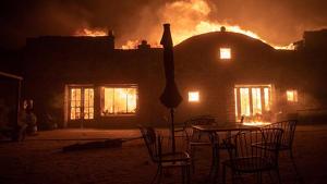 El fuego ha ardido centenares de casas en California este fin de semana pasado